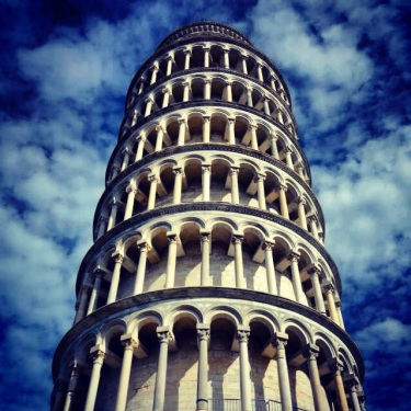leaning tower of pisa sky