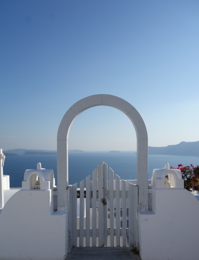 santorini house gate