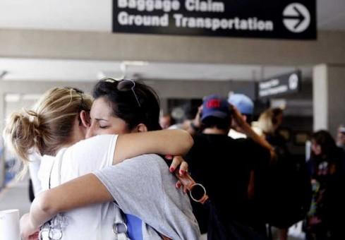 airport-hugs.jpg
